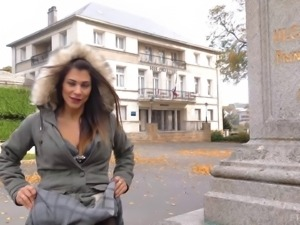 Flashing her tits in public cause she gets a kick out of it