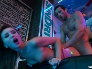 Dirty orgy in a club featuring provocative porn slut Gina Gershon