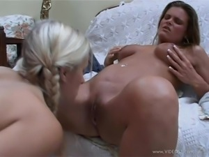 Horny ladies Angel and Karla in naughty pussy licking in lesbian action