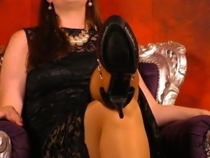 Fussherrin Fusssklave Fetisch High Heels Nylon Pantyhose