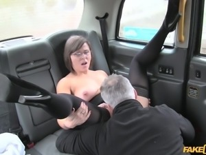hot babe eats ass in the backseat