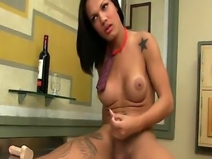 Gaping trans babe wanks her big cock