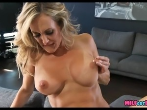 Fit Blonde Cougar