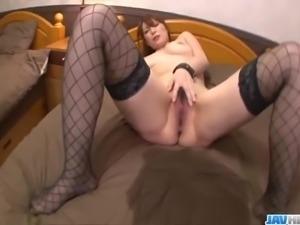 AdorableAraki Hitomi is near orgasm in hardcore show