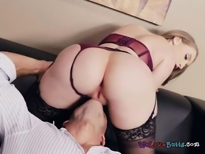 Luscious Salesclerk Has Oral Sex With Hung Client