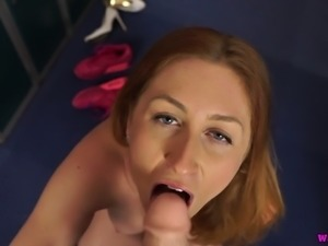 This slut loves to keep her body fit through exercises and she loves her dildo