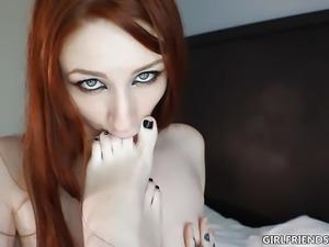 Addicted  to Feet: Redhead Girlfriends