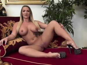 Hot threesome featuring Katja Kassin