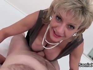 Adulterous british mature lady sonia shows off her massive h