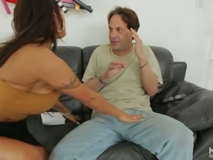 August Taylor is no stranger to oral sex and she gives a perfect blowjob