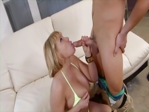 hot blonde cougar gets fucked
