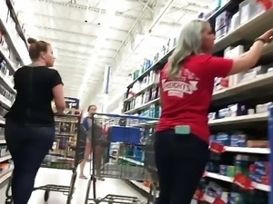 Fat Ass PAWG In Wal-Mart (HD) 08-31-17