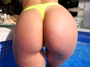 Gorgeous girl with big butt and sweet cameltoe