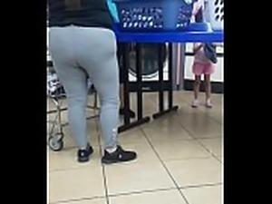 Bbw booty on chubby latina in spandex