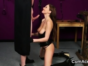 Flirty idol gets cumshot on her face swallowing all the ejac