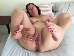 Mature chubby milf amateur