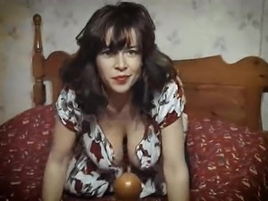 UNDER THE DRESS - vintage British huge tits striptease