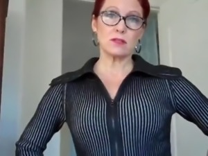 Mature redhead knows how to please her handsome friend