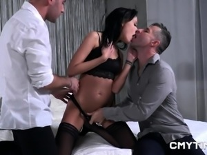 Sexy babe enjoys threesome and double penetration