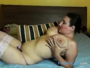 Natural huge hanging tits on MILF