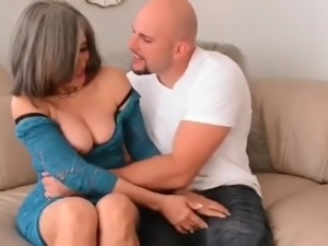Busty mature milf still likes hardore sex on vacation
