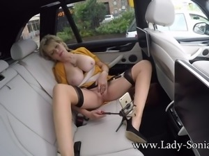 Lady sonia playing with her pussy in the car