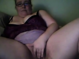 BBW with glasses playing on webcam