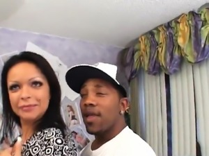 Latina gets dicked by a black bull