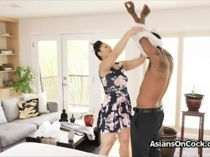 Oily Asian masseuse pleases BBC